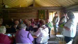 Träff med byborna i Backom café